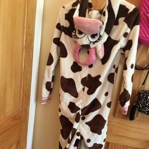 Comfy cute cow pj's. Never worn-just doesn't fit.